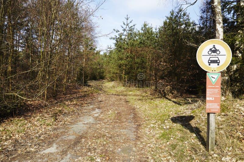 Schneverdingen - entrada al brezo de Luneburg de la reserva de naturaleza fotos de archivo libres de regalías