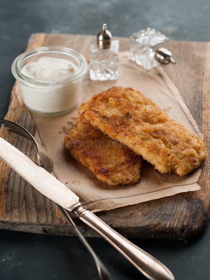 Schnitze de poulet ou de porc photographie stock libre de droits