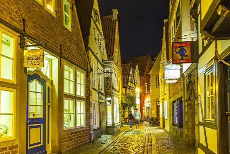 Schnoor ulica nocą w Bremen zdjęcie stock