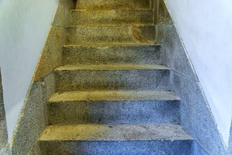 Schodki abstraktów kroków Schodki w mieście Granitowi schodki Kamienny schody często widzieć na zabytkach i punktach zwrotnych, s zdjęcia stock