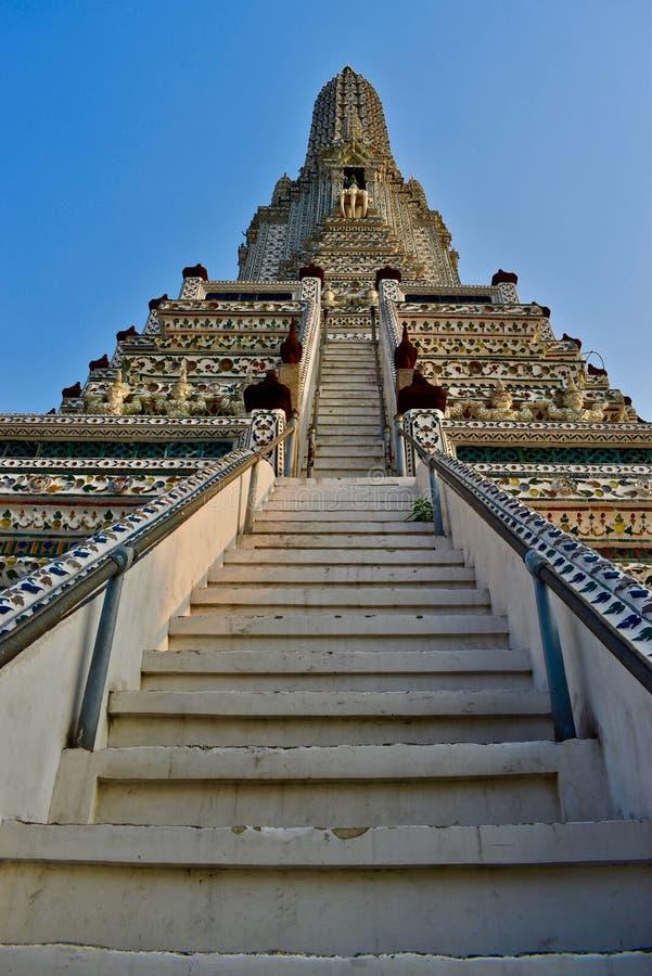 Schodki przy Wata Arun świątynią w Bangkok Tajlandia zdjęcie stock