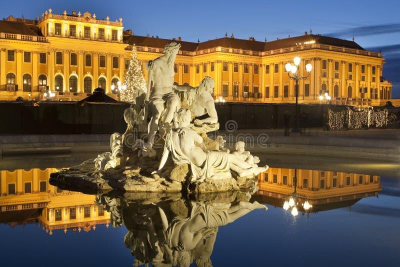 Schoenbrunn giusto del castello di natale, Vienna fotografia stock