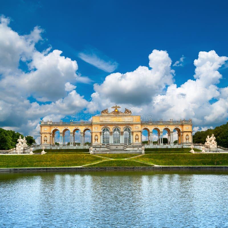 Schoenbrunn slott i Wien royaltyfri fotografi