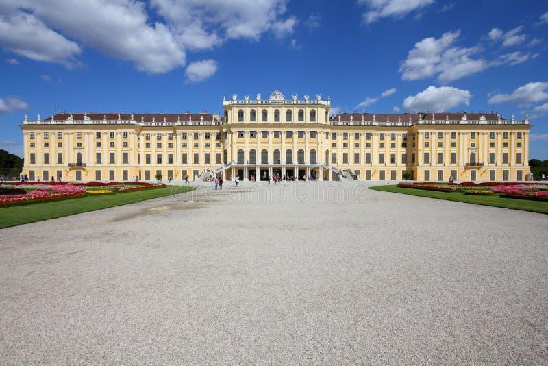 Schoenbrunn Wien royaltyfria bilder