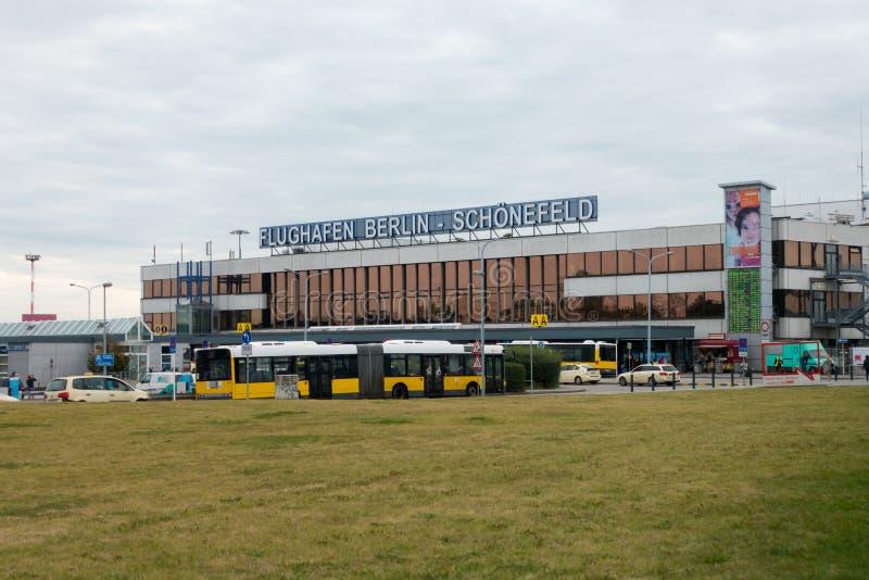 Schoenefeld机场终端A大厦天时间的 库存图片