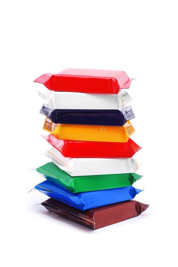 Schokolade in den bunten Verpackungen stockfotografie