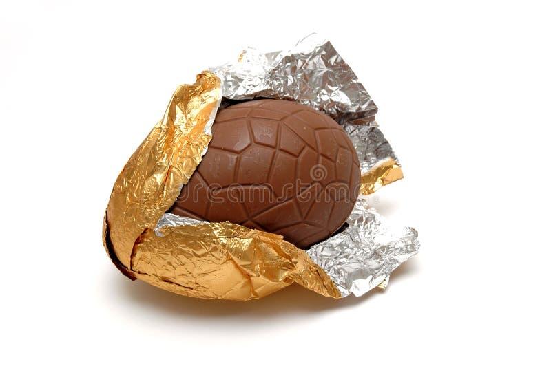 Schokolade Ei (geknackt) stockfotos