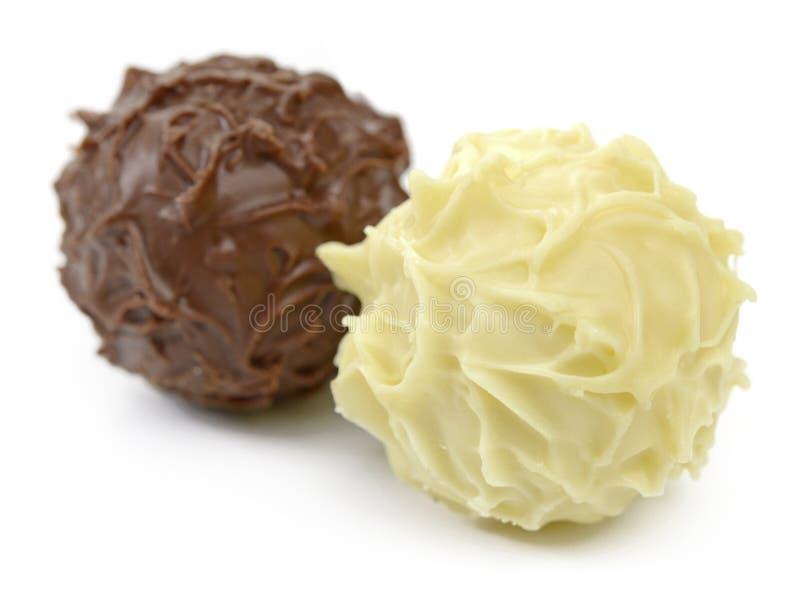 Schokoladen-Balltrüffeln stockbilder