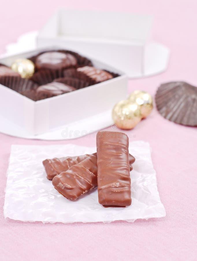 Schokoladen-Toffee-Stäbe lizenzfreie stockfotografie