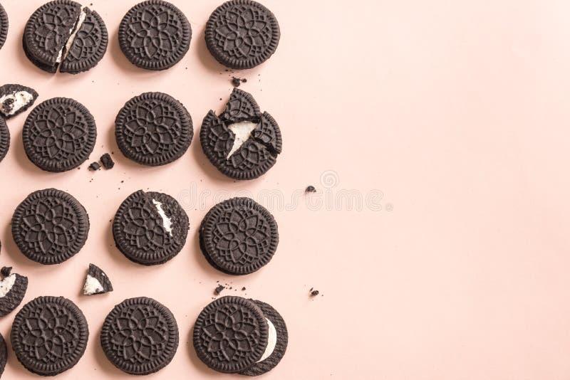 Schokoladen- und Cremeplätzchen Oreo lizenzfreie stockbilder