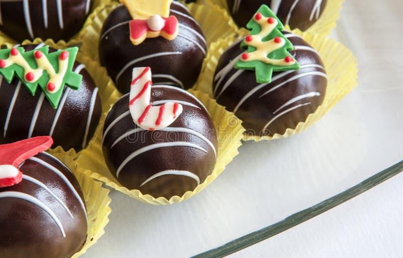 Schokoladenbälle Weihnachten lizenzfreie stockbilder