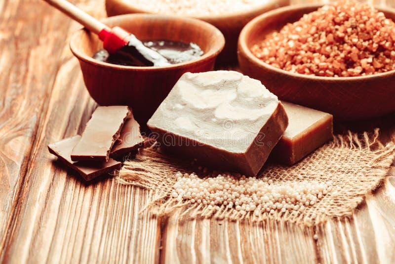 Schokoladenbadekurortsatz lizenzfreie stockbilder