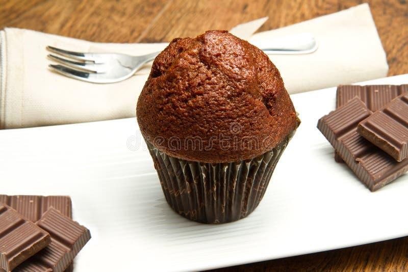 Schokoladenchip-Muffin lizenzfreie stockbilder