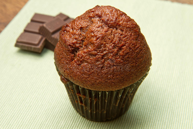 Schokoladenchip-Muffin lizenzfreie stockfotos