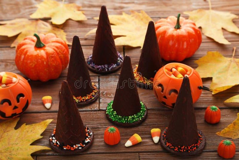 Schokoladenhalloween-Hüte lizenzfreies stockbild