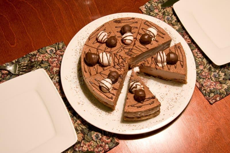 Download Schokoladenkuchen Auf Einer Gaststättetabelle Stockbild - Bild von stück, essen: 9087133