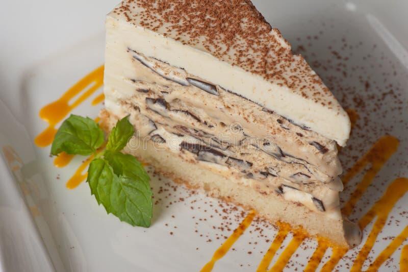 Schokoladenkuchen mit StauEiscreme stockbilder