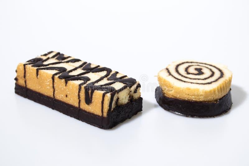 Schokoladensnackbar lokalisiert in einem weißen Hintergrund lizenzfreie stockfotografie