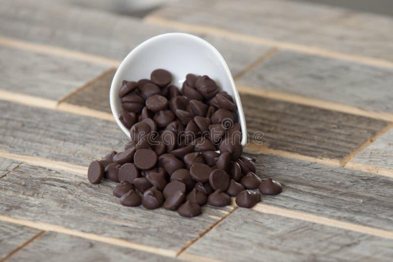Schokoladensplitter lizenzfreie stockfotos