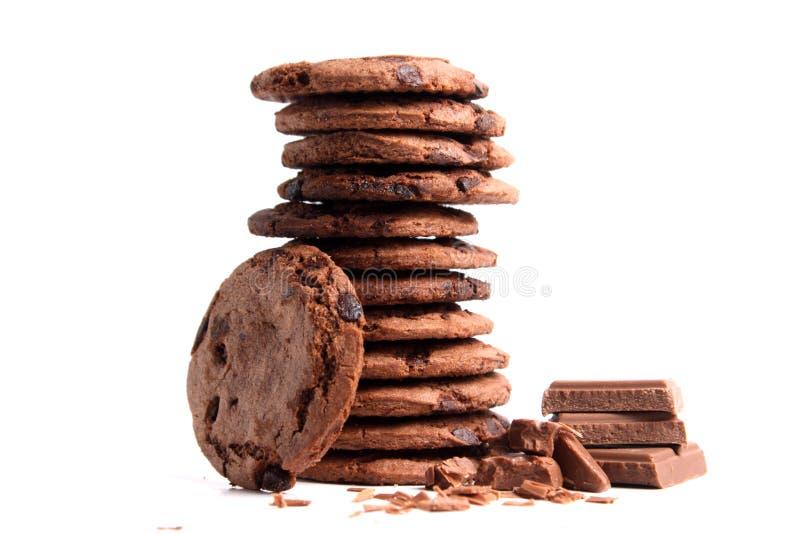 Schokoladensplitterplätzchen lokalisiert auf Weiß lizenzfreie stockfotos