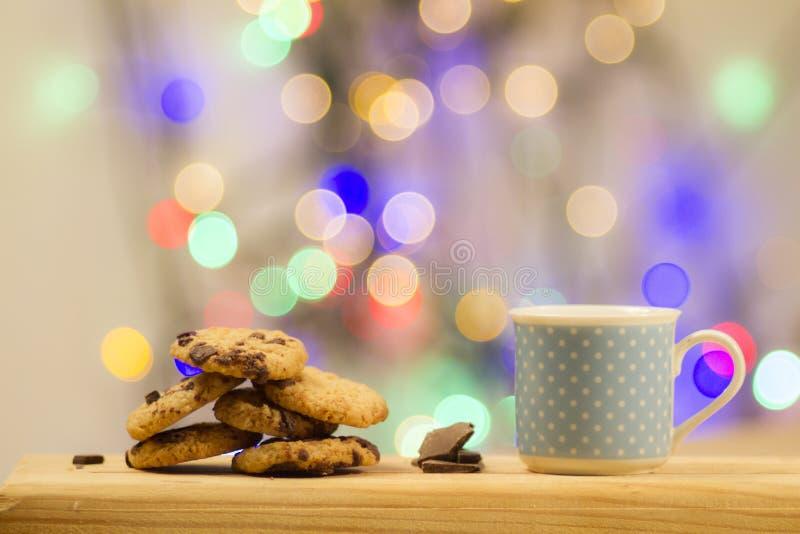 Schokoladenweihnachtsplätzchen stockfotografie