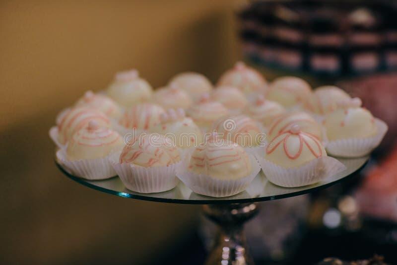 Schokoriegel mit süßen Kuchen Details eines geschmackvollen Schokoriegels stockfoto