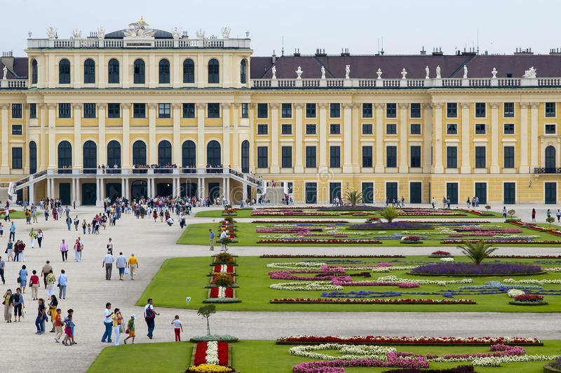 Download Schonbrunn Palace In Vienna Editorial Image - Image: 28702690