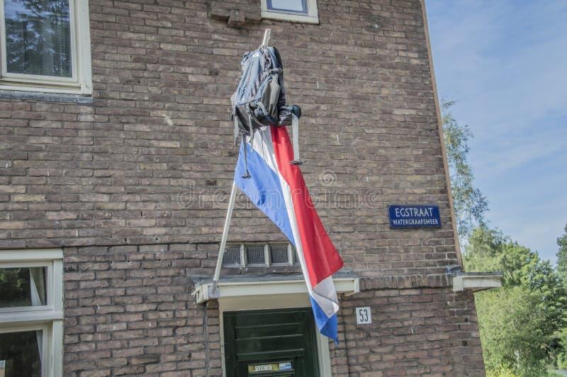 Schoolbag em uma bandeira em Amsterdão o 2018 holandês foto de stock royalty free