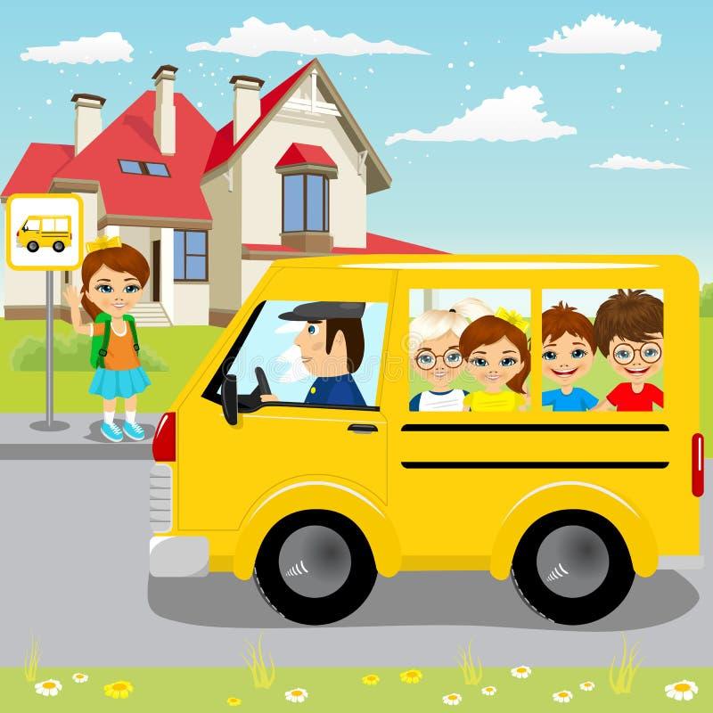 Schoolbus маленькой девочки ждать на автобусной остановке иллюстрация штока