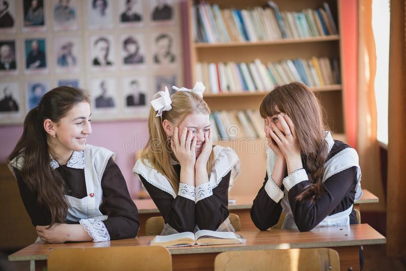 schoolgirls stockfoto