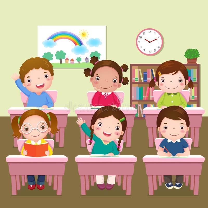 Schooljonge geitjes die in klaslokaal bestuderen royalty-vrije illustratie