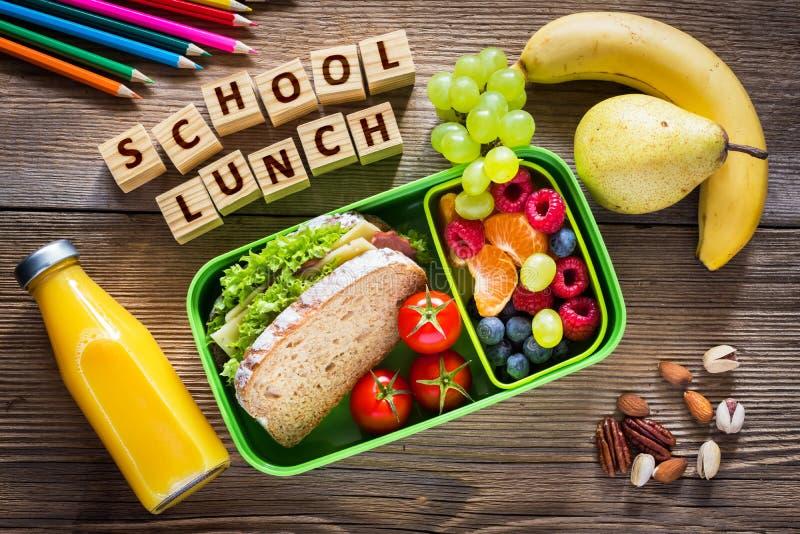 Schoolmaaltijddoos met sandwich stock afbeeldingen