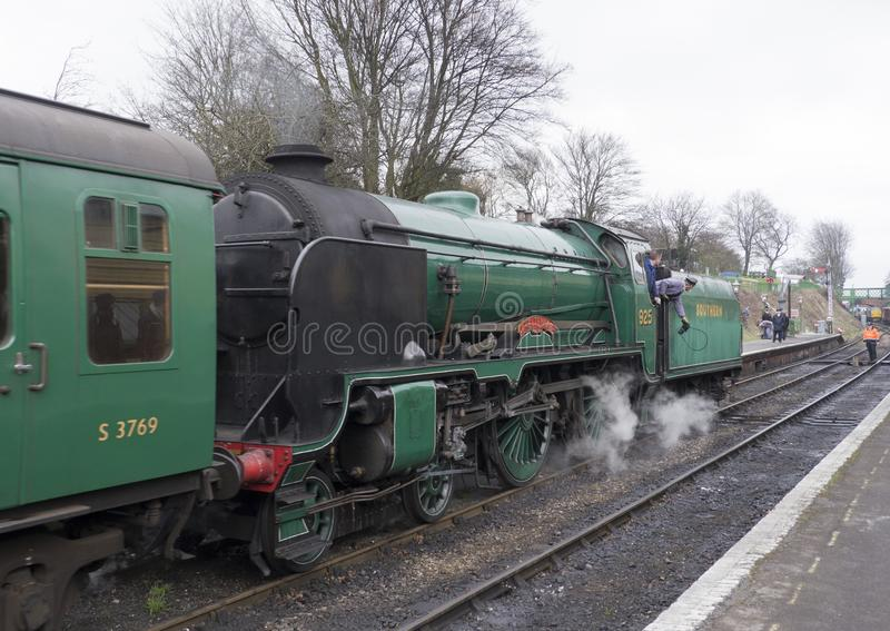 SCHOOLS CLASS LOCOMOTIVE ON THE MID HANTS RAILWAY Watercress Li stock photo