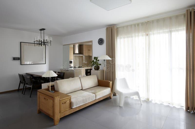 Schoon en elegant huisbinnenland stock afbeelding