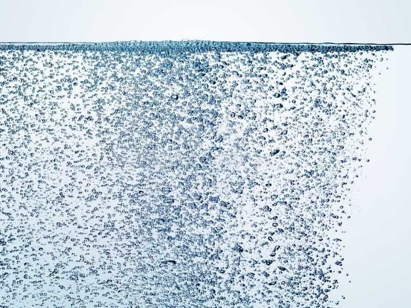 Schoon zoet water met honderden luchtbellen royalty-vrije stock foto