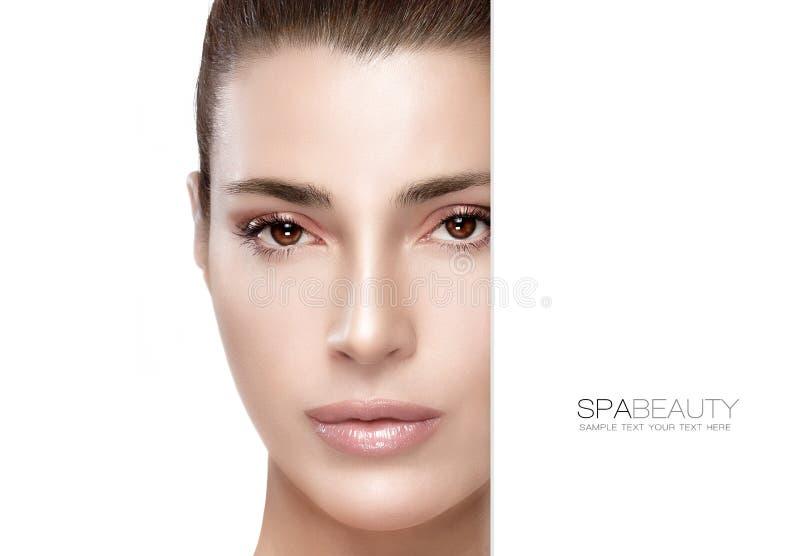 Schoonheid en skincare concept Het Meisje van het kuuroord royalty-vrije stock afbeelding