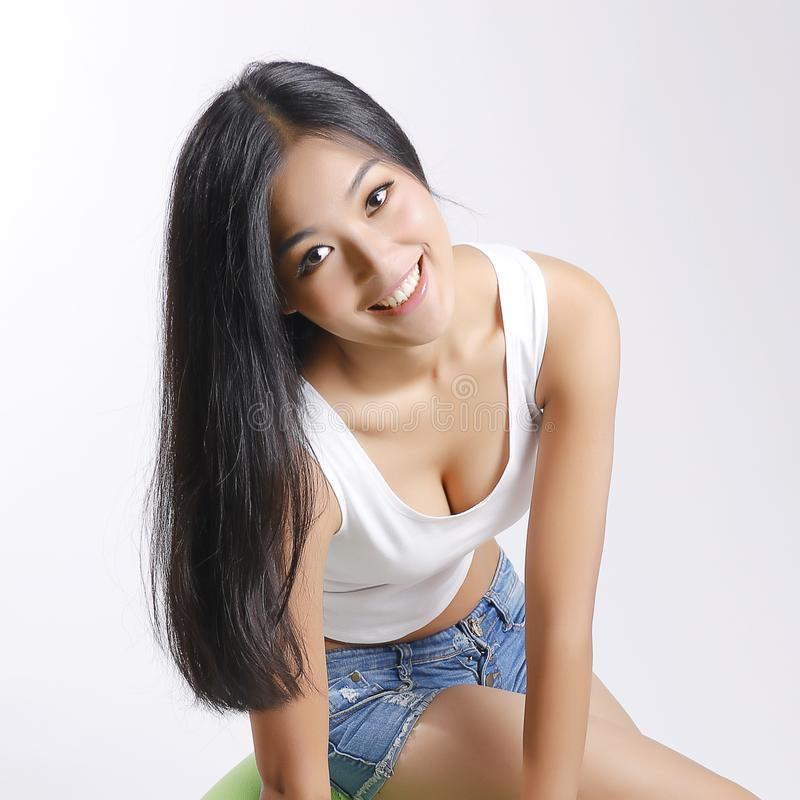 Schoonheid, het glimlachen gezicht, borst, haar stock foto