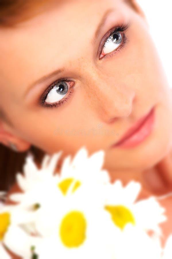 Schoonheid met bloemen stock foto's