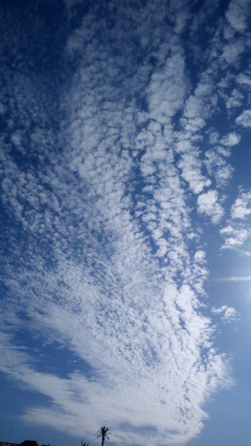 Schoonheid van de Blauwe Hemel en zijn Wolken royalty-vrije stock foto's