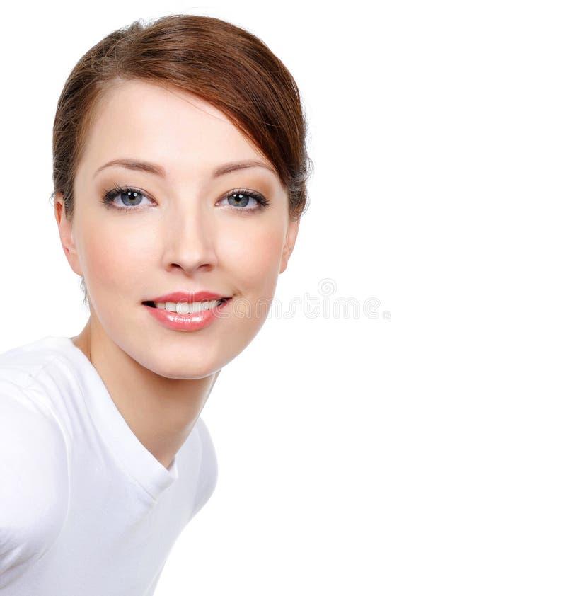 Schoonheid van jonge glimlachende vrouw stock afbeeldingen