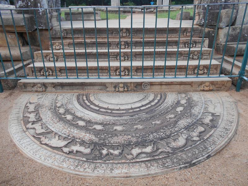 Schoonheidsaard Boedha Anuradhapura Sandakada Pahana royalty-vrije stock foto's