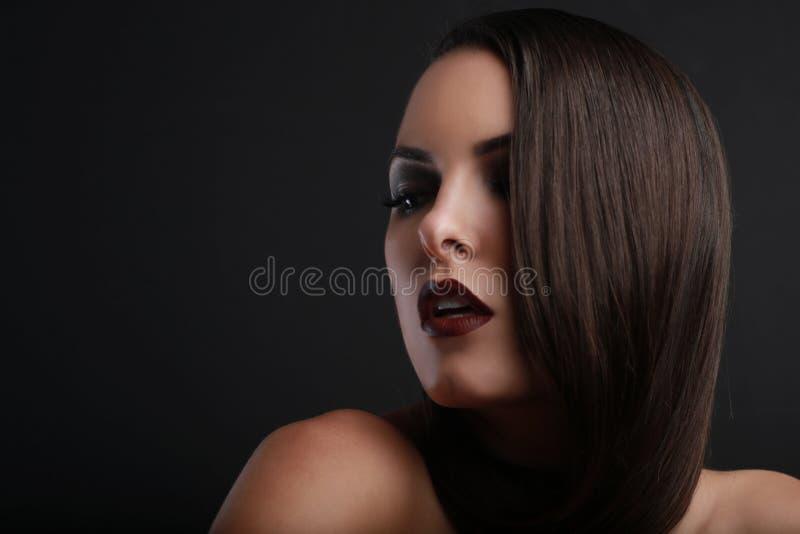 Schoonheidsbeeld van een Mooie Vrouw stock foto's