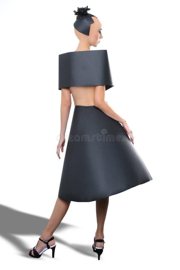Schoonheidsbeeld van een Vrouw die een Zwarte Document Kleding dragen royalty-vrije stock afbeeldingen