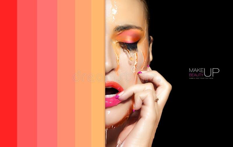 Schoonheidsconcept met waterdichte make-up malplaatjeontwerp stock fotografie