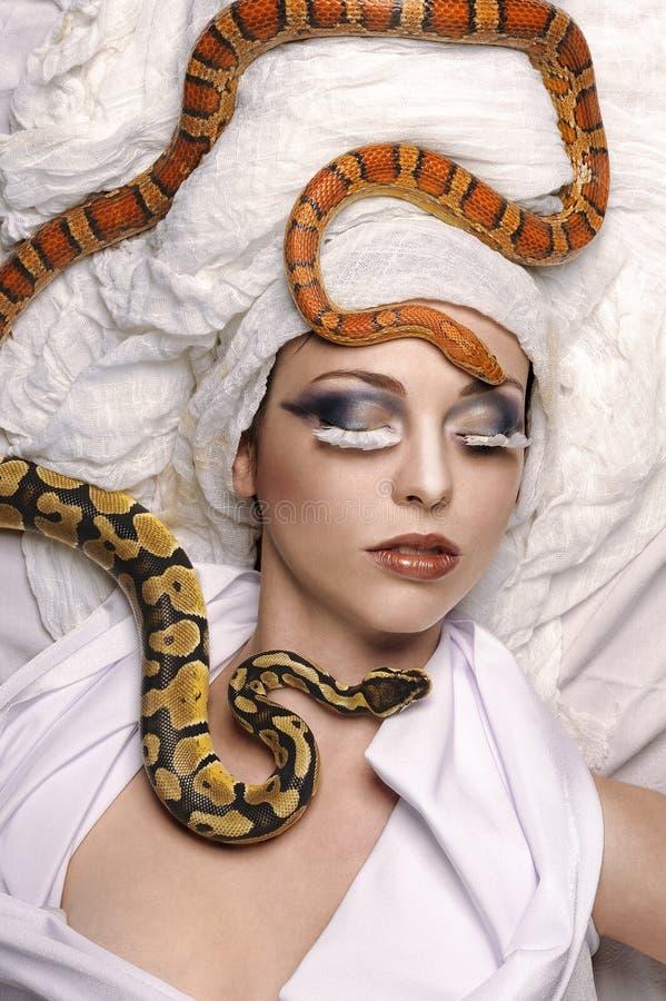 Schoonheidsfoto met slangen royalty-vrije stock afbeelding