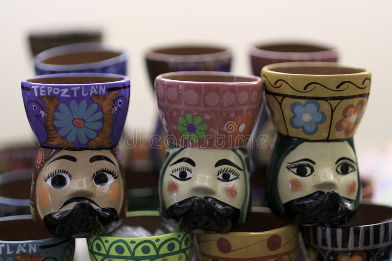 Schoonheidsgetrouw met de hand vervaardigde mexicaanse artesania stock fotografie