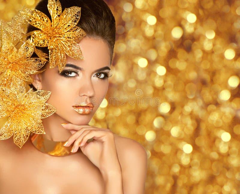 Schoonheidsmake-up, luxejuwelen Het meisjes modelportra van de manierglamour royalty-vrije stock afbeelding