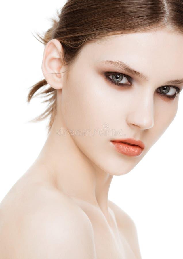 Schoonheidsmannequin met de make-up van smokeyogen stock fotografie