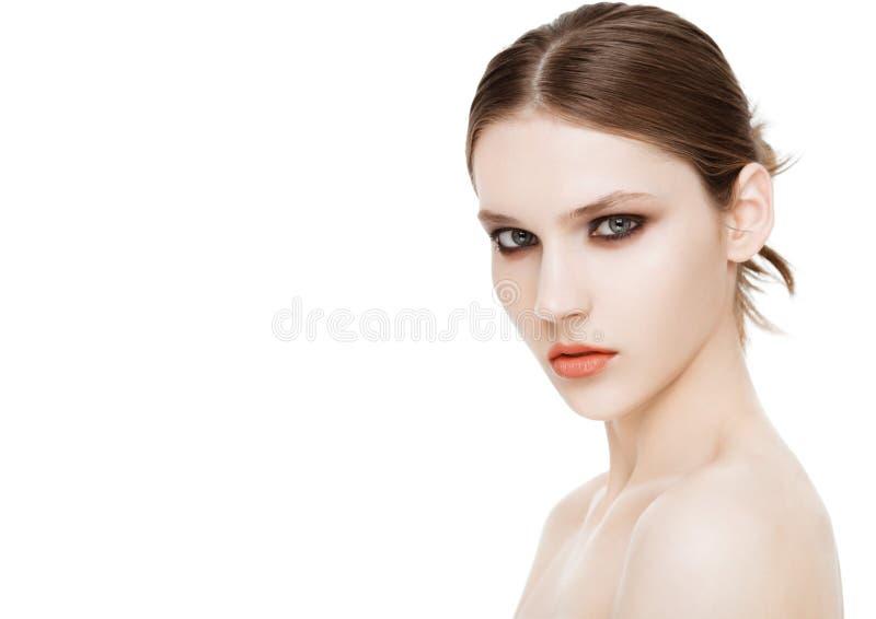 Schoonheidsmannequin met de make-up van smokeyogen royalty-vrije stock afbeelding