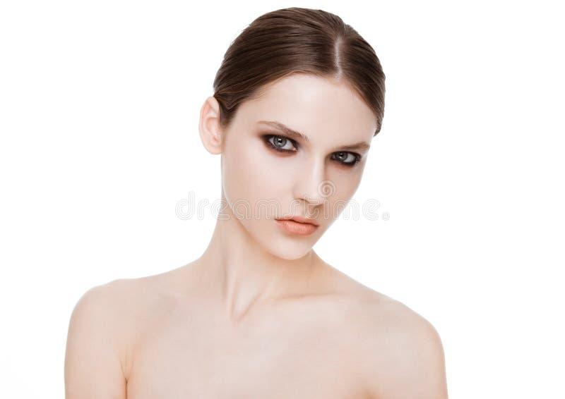 Schoonheidsmannequin met de make-up van smokeyogen stock foto